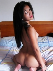 Naked Asian babe Rosalie