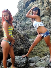 A pair of cock-crazed Filipinas